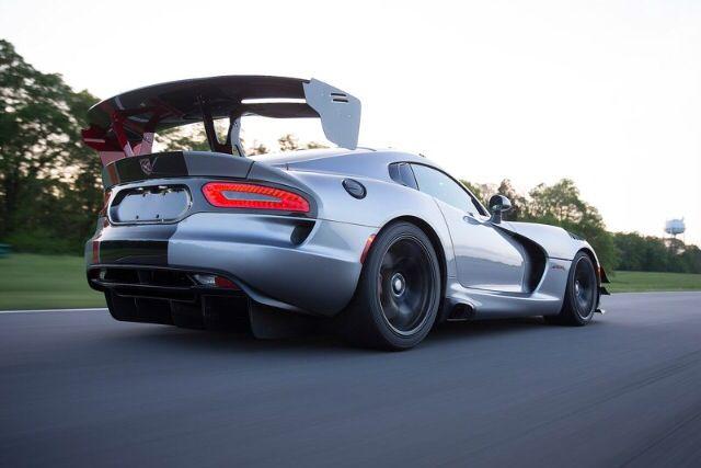 Visit The MACHINE Shop Café... ❤ Best of Dodge @ MACHINE ❤ (2016 Dodge Viper ACR Racer)