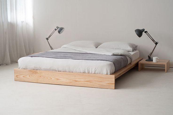 Mural Of Platform And Metal Bed Frame Two Best Minimalist Bed Frame Recommendations Low Wooden In 2020 Minimalistisches Bett Japanisches Schlafzimmer Kopfteil Bett
