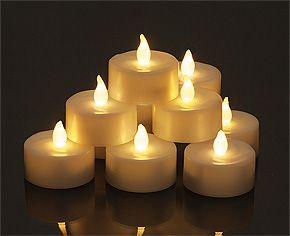 Bougies Led chauffe plat pas cher. Un lot de 6 bougies leds qui illumineront avec délicatesse votre décoration de mariage sans y mettre le feu : http://www.mariage.fr/shop/lot-de-6-bougies-led-chauffe-plat-blanches-mariage-bougies-decoratives.htm