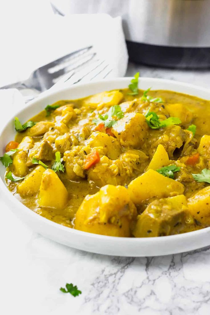 Curry-Jackfrucht und Kartoffel