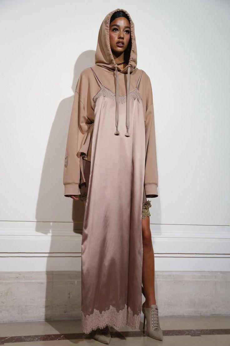 awesome Элегантные атласные платья в пол (50 фото) — Как правильно носить в 2017? Читай больше http://avrorra.com/atlasnye-platya-v-pol-foto/