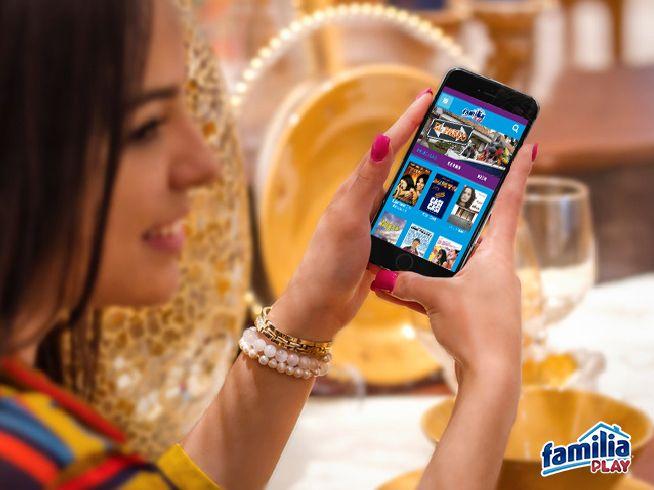 """Ahora puedes elegir lo que quieres ver, donde quieras verlo, descarga gratis desde tu smartphone la app """"Familiaplay"""" y disfruta la nueva forma de ver televisión en familia. Disponible en App Store y Google Play"""