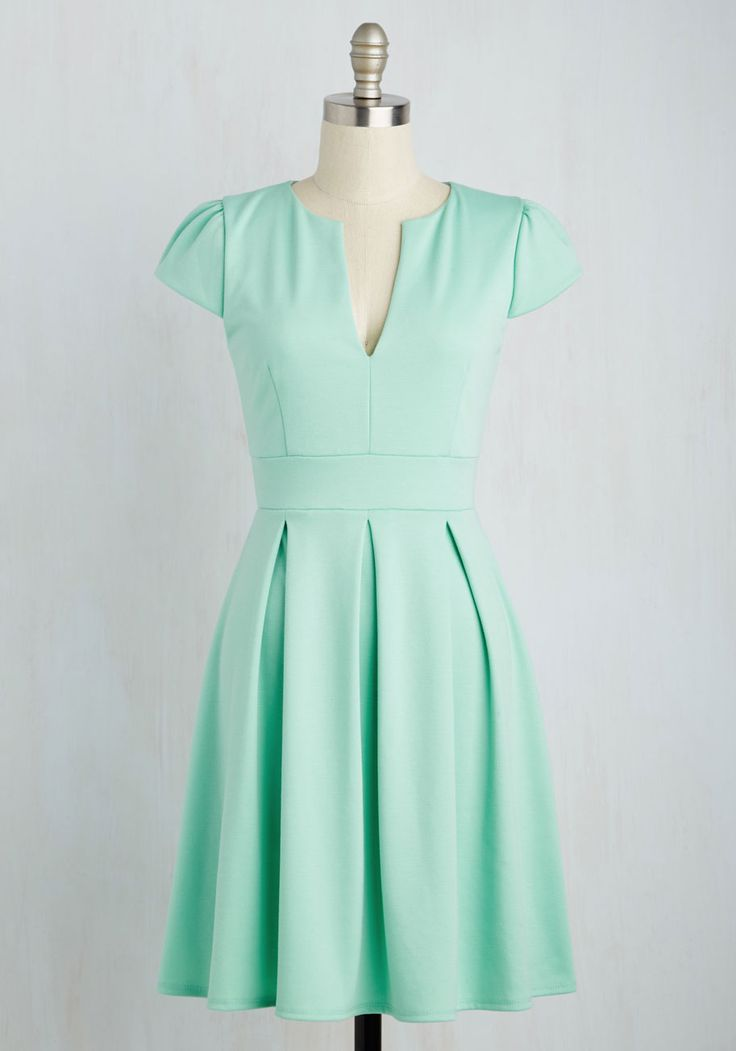 Meet Me at the Punch Bowl Dress in Mint. Delight taste-testers left and right as you dole out your perfectly blended punch in this mint green dress. #mint #modcloth