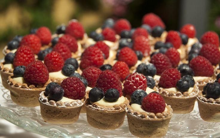 Sweet mignon with wild berries and yogurt cream #guidilenci All Rights Reserved GUIDI LENCI www.guidilenci.com