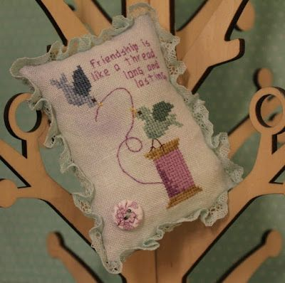 Merry Cherry Designs: Friendship Birds freebie - quick and cute, maybe for Valentines day stitching!