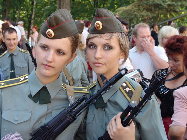 Chicas rusas y la turbina de gas
