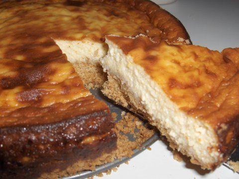New York juustokakku - AnuLillin leivonnaiset (!!! Teen tämän yleensä yhden lehden ohjeella, mutta en löydä sitä netistä)
