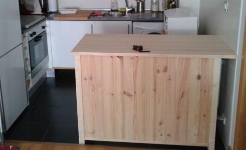 Barra de cocina de madera para separar ambientes