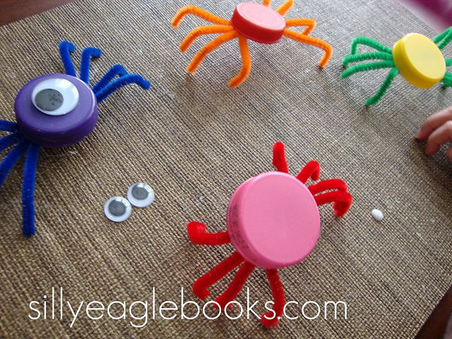 bottle cap spider craft by Silly Eagle Books Oh my goodness, for all those left over bottle caps!