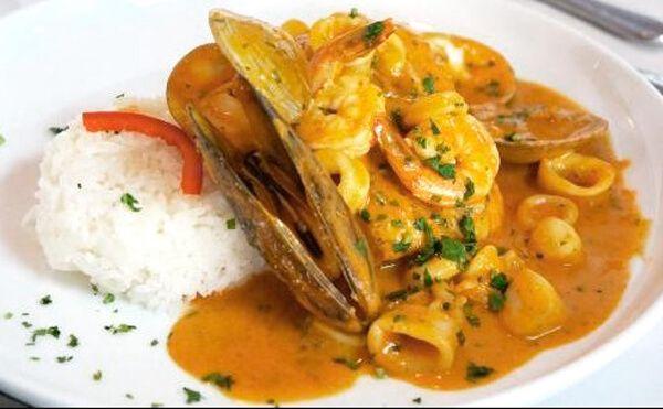 Como Preparar El Mejor Pescado A Lo Macho Una Delicia Comida Peruana Recetas Ceviche De Pescado Pescado A Lo Macho