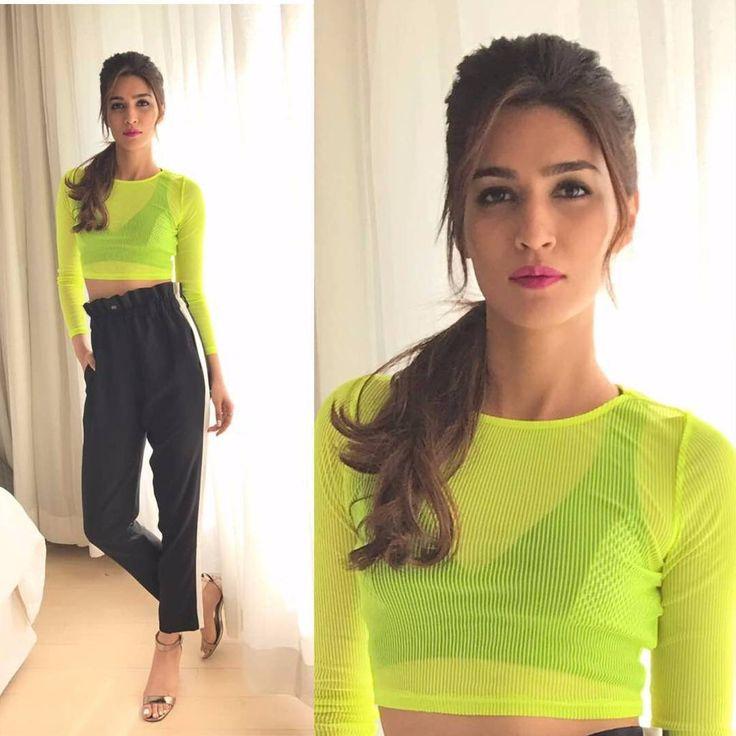 """Kriti Sanon in the seasons neon trend for #Raabta promotions in Delhi @Bollywoodstylefile ❤❤❤ . Top…"""
