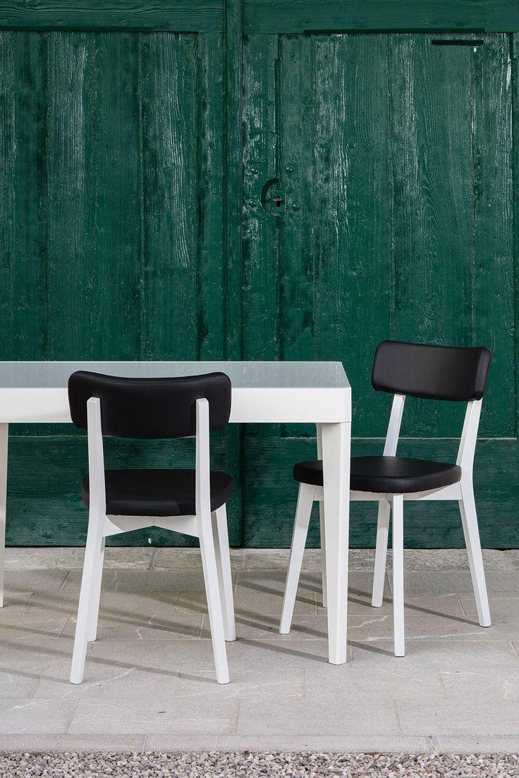 Oltre 1000 idee su sedie in legno su pinterest sedie for Sedie bianche ecopelle