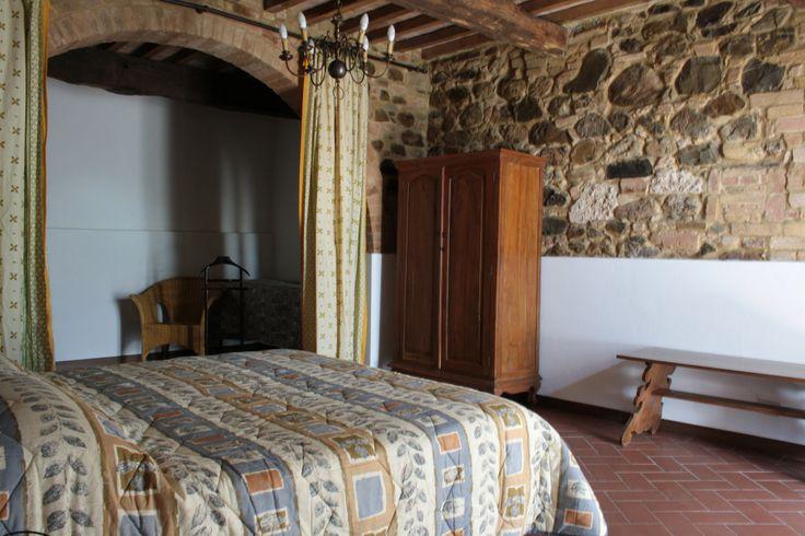 """Camera dell'appartamento """"Scirocco""""  Room in """"Scirocco"""" apartment  Chambre dans l'appartement """"Scirocco"""""""