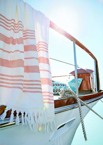 XL beach towel SAIL 100x180 . Super absorbent cotton 100% in neon colors. €69