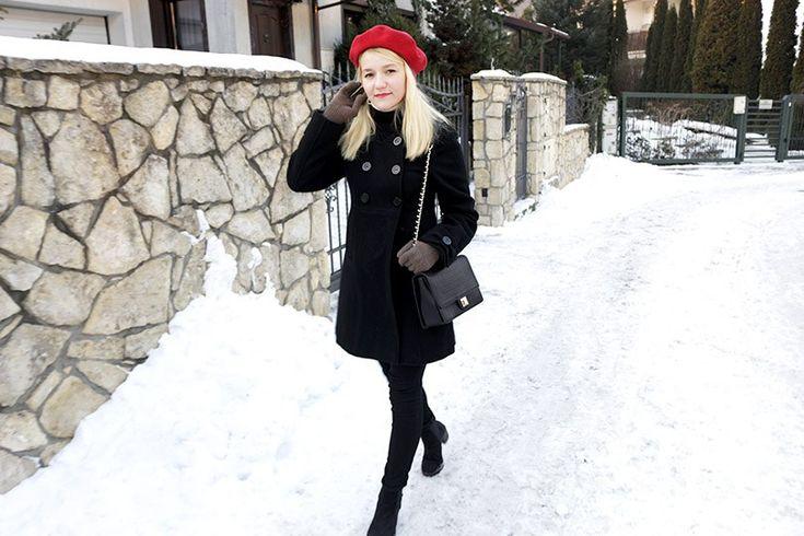 Как разнообразить базовый гардероб: образ в стиле ретро и яркий берет #красныйберет #нарядвретростиле #черноепальто #пальтовретростиле #зимнийобраз #стильныйобраз #стильныйзимнийобраз #весеннийобраз #блондинка #девушкавберете #минимализм #базовыйгардероб #мода #бологомоде #блогостиле #стилист #minimalism #redberehat #winteroutfit #woolberethat #retrostyle #retrooutfit #retrocoat #styleblogger #redlips #blondegirl #blondehair #краснаяпомада  #стритстайл #уличныйстиль #streetstyle