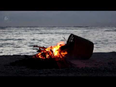 🎧 Campfire On The beach Ambience - 8 Hours Relaxing Ocean Wave Sounds & Calming Crackling Fire Sound - YouTube
