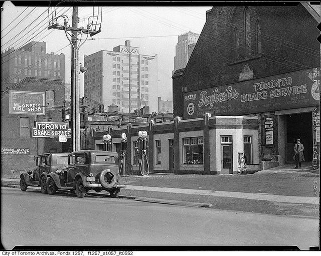 British-American gas station, Queen Street West, near York Street, Toronto, c. 1920.