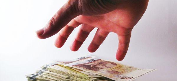 'Betaal niet!'De Fraudehelpdesk waarschuwt mensen vooral niet te betalen en het aan de  helpdesk -...