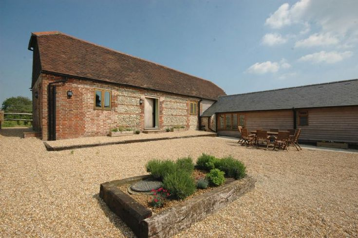 Copyhold Barns offers lovely 2 bed accommodation between Chichester and peaceful Pagham harbour, an idyllic area of West sussex