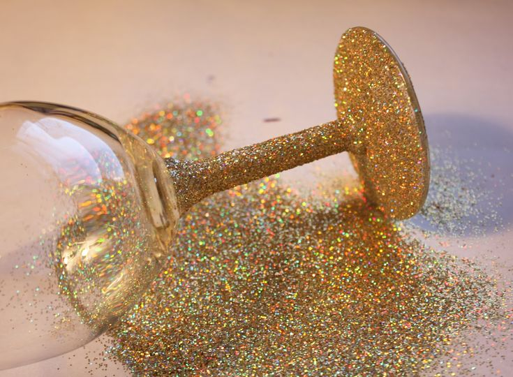 Glitter Stem Wine Glasses...we are SO doing this @Shannon Bellanca Bellanca Cornell for my bridal shower and the bachelorette party! I love this!