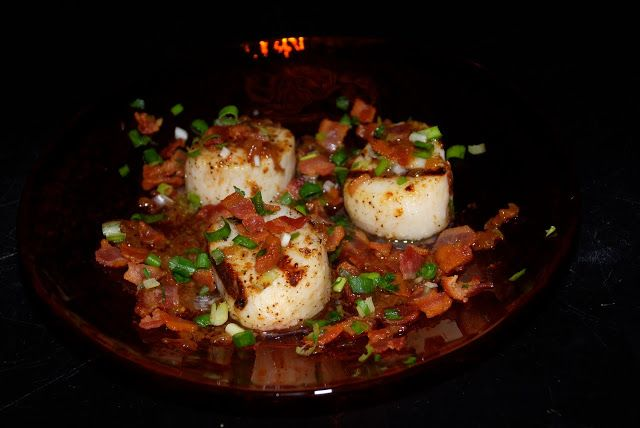 Tomatoes on the Vine: Grilled Sea Scallops with Green Onion Relish and Warm Bacon Vinaigrette