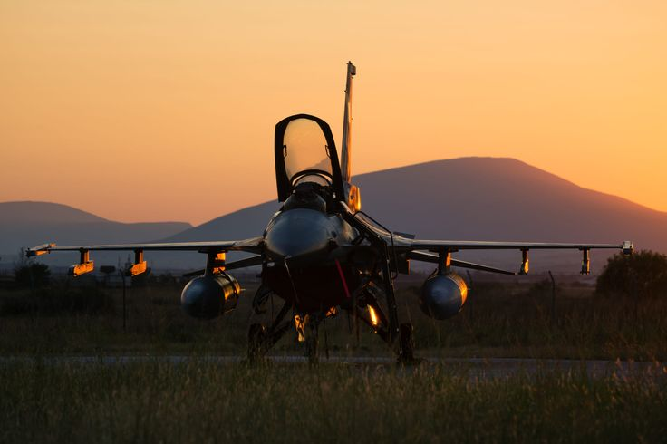 Just resting  a bit before night flights in 330sq of Hellenic Air Force.