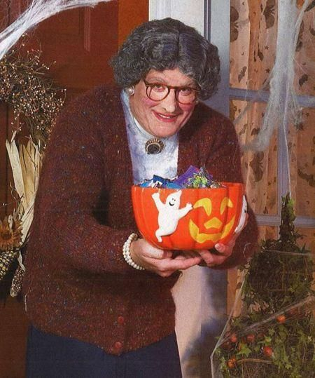 trick or treat...guess who this is.... QVC Community – Forums, Blogs, and Consumer Product Reviews
