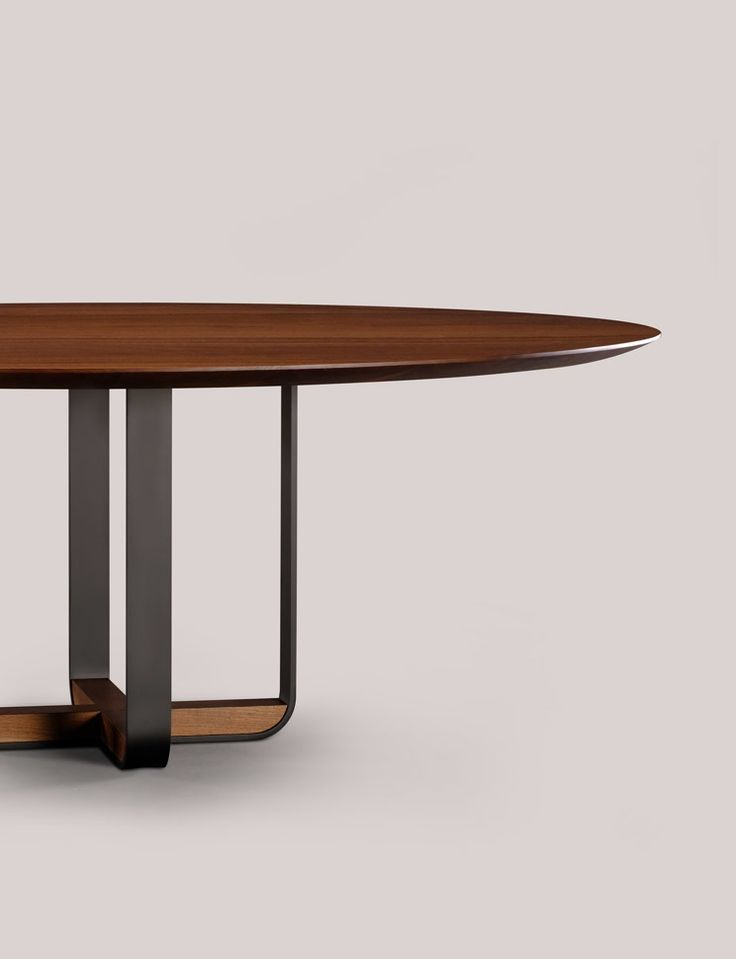 Skram Furniture Company / Piedmont Round Dining Table