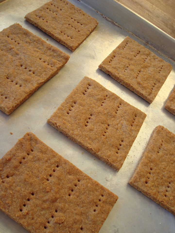 Gluten free graham cracker recipe.  I think we should make these Anita.  I bought organic marshmallows, organic chocolate and I can't find organic gluten free graham crackers.