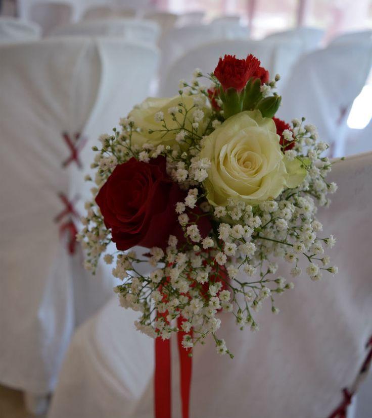 Quand le temps n'est pas au rendez-vous, un mariage à l'intérieur est aussi joli