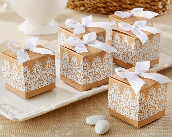 Rustic wedding favor boxes #weddingfavors #weddinggiveaways