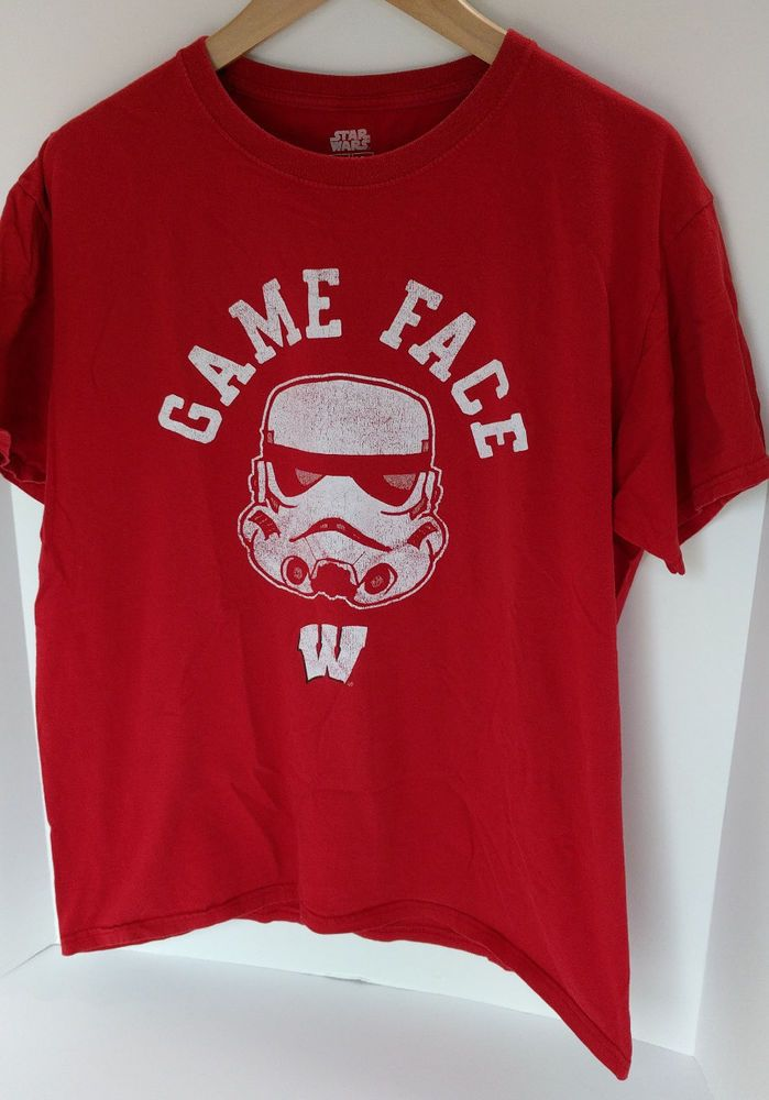 UW Wisconsin Badgers Mens Star Wars T-Shirt - Red - Size Large