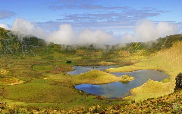 Озеро Лагоа-ду-Фогу, или Огненное озеро, Азорские острова, Португалия