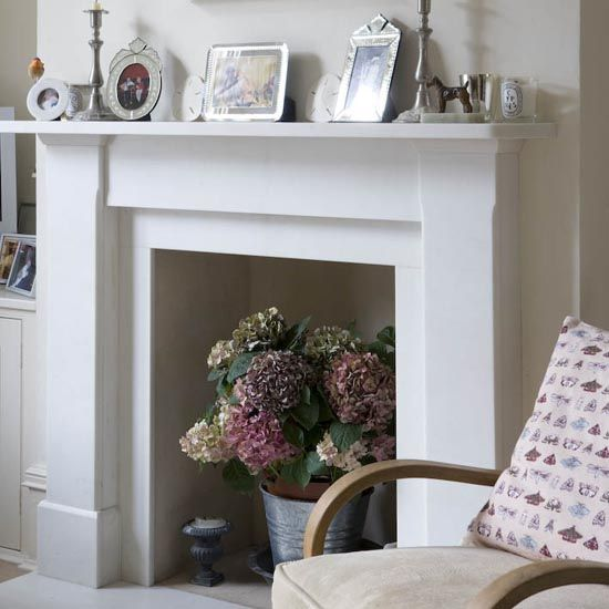 Living room detail   Elegant   London house   Victorian   Former railway worker's cottage  House Tour   PHOTO GALLERY   25 Beautiful Homes   Housetohome