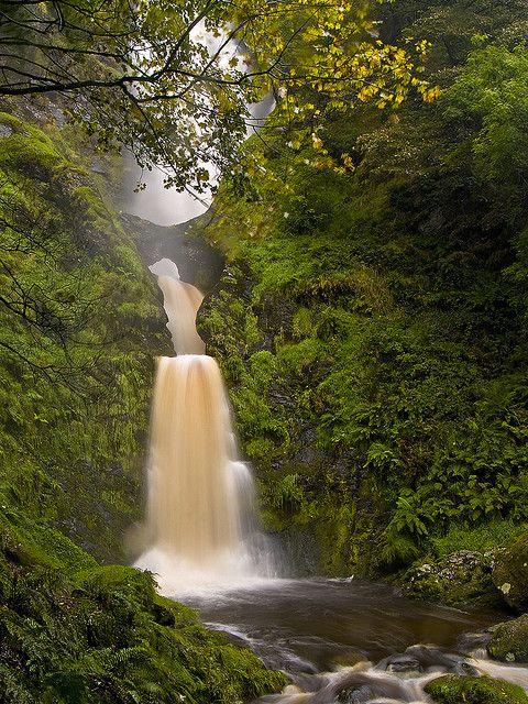 Waterfall Pistyll Rhaeadr, Wales