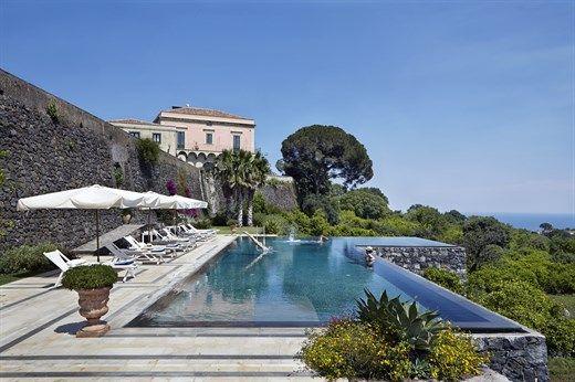 Dario's villa on Isadora