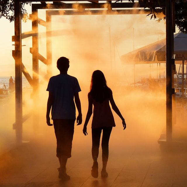 Teen couple | Silhouette