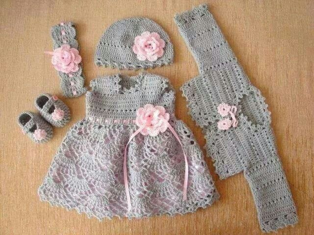 What an adorable hand-made set! Treasured gift for sure! **no pattern