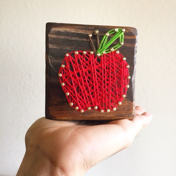 apple string art teacher appreciation gift idea