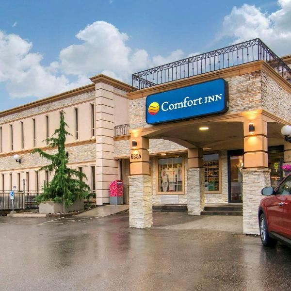 Comfort Inn Toronto Airport Providing A Free 24 Hour Shuttle Service To Toronto S Pearson International Airport And Offering Easy Access To The Downtown Area Th