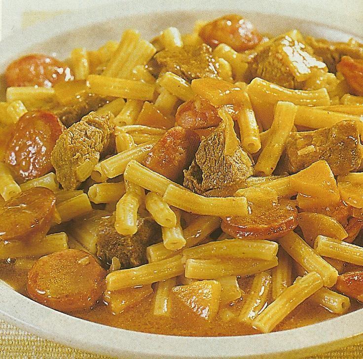 Massada de Carne com Chouriço - https://www.receitassimples.pt/massada-de-carne-com-chourico/