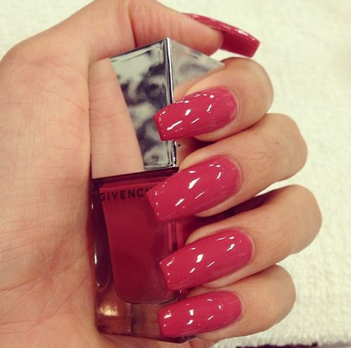 Ongles vernis (rose - rouge)