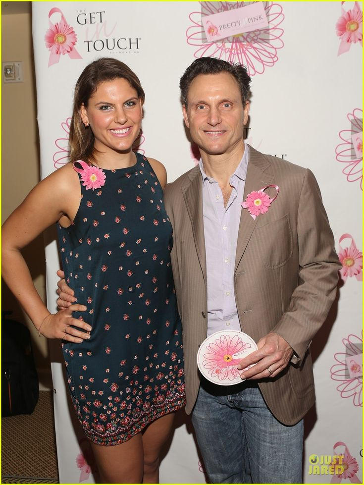tony goldwyn & Halston Sage Show Support for Pretty In Pink Luncheon! |  halston sage support for pretty in pink 02 - Photo