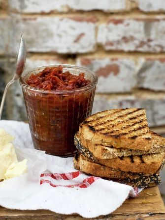 Easy tomato chutney : 250 g red onions 500 g mixed-colour tomatoes 1 fresh red chilli 75 ml red wine vinegar 140 g brown sugar