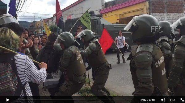Repudio e indignación por actuar policial en contra de estudiantes en Temuco http://dlvr.it/D5jyd1