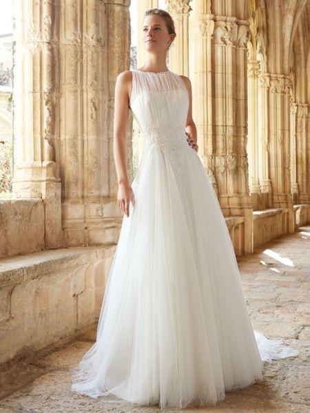 Raimon Bundó 2015: vestidos de novia elegantes y sencillos Image: 8