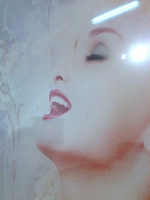 David Lachapelle, fotografias con rayas sobre acrilico.