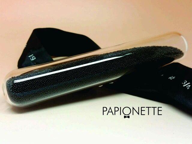 Papion Black Little Stones