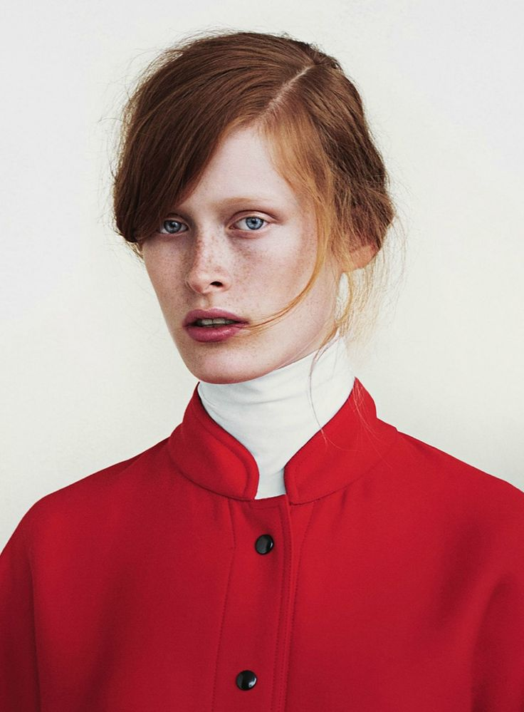 This model has a pre-raphaelite look to her.  Just beautiful. Julia Hetta for Rodeo