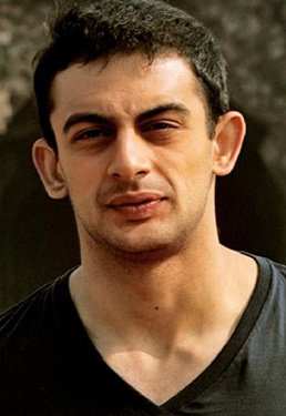 Arunoday Singh is a Bollywood Actor, was born on 30 November 1983 in Madhya Pradesh, India. Recently he is in news for his upcoming erotic thriller Jism 2 opposite hot porn star Sunny Leone. #arunoday #bollywoodactor #bollywood